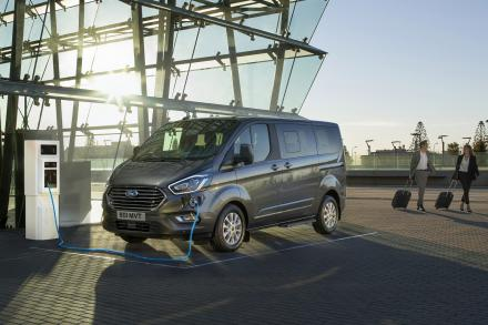 Ford Tourneo Custom L2 Diesel Fwd 2.0 EcoBlue 105ps Low Roof 9 Seater